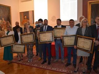 ПРИЗНАЊЕ ЗА УСПЕХ: Инђији награда за најпросперитетнију општину у Војводини