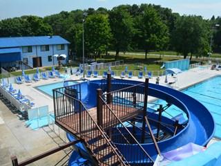 Отворен градски базен