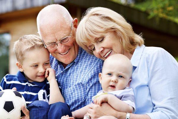 Crveni krst i Dom zdravlja obeležavaju Međunarodni dan starijih osoba Medjunarodni dan starijih osoba