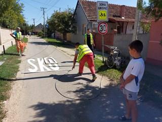 Obnovljena horizontalna saobraćajna signalizacija u zonama škola